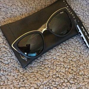 "Quay Australia ""My Girl"" sun glasses NWT"